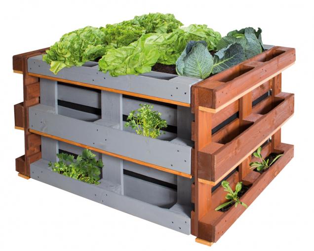 Zpestřete si dobu strávenou doma a proměňte svůj balkon vmalou zahrádku. Mnoha druhům bylinek, zeleniny či ovoce se zde bude dařit i bez velkého záhonu. Postačí vám pěstební truhlíky nebo pěstební nádoby, kbelíky na květiny či květináče. (Zdroj: Hornbach)