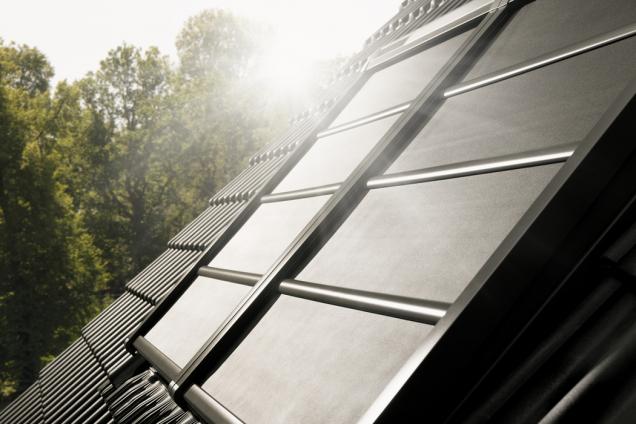 VELUX lehká venkovní roleta na solární pohon (Zdroj: VELUX)