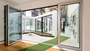 Okna PROGRESS jsou vyráběna ze speciálního kompozitního materiálu RAU-FIPRO X, který kombinuje PVC a skelná vlákna (Zdroj: DAFE-PLAST)