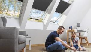 Kvalitní výplně stavebních otvorů mohou velmi výrazně zvýšit efektivitu dobře zatepleného obvodového pláště. Při výběru oken je rozhodující součinitel prostupu tepla skla i rámu, u zasklení je pak třeba sledovat propustnost slunečního záření