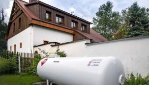 Kapalný propan je skladován v zásobníku plynu (zdroj: TOMEGAS)