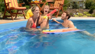 Poukázka na vaši dovolenou 2021: Všechny bazény jen za 1/3 ceny. Vakci všech 280 modelů luxusních zapuštěných i nadzemních bazénů od Mountfieldu