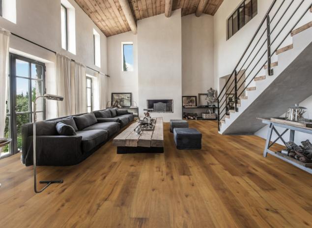 Dřevěná podlaha Kährs v obývacím pokoji - přírodní (zdroj: KPP)
