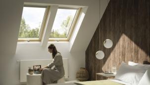 Nový Standard Plus: Zdokonalené trojsklo s vyšší tepelnou i zvukovou izolací a samočisticí vrstvou (zdroj: VELUX)