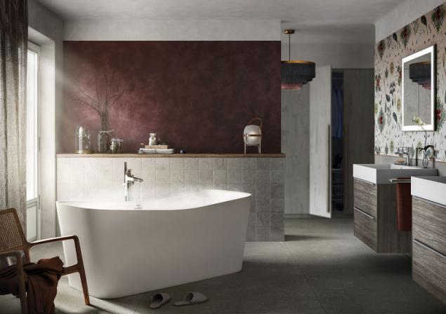 Velkému prostoru prospěje diagonálně umístěná vana, která jej hezky vyplní a zároveň umožní pohodlný přístup a hezký výhled (foto Roca)