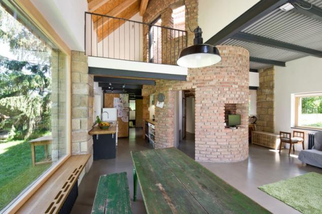 Přestavba stodoly na moderní rodinný dům