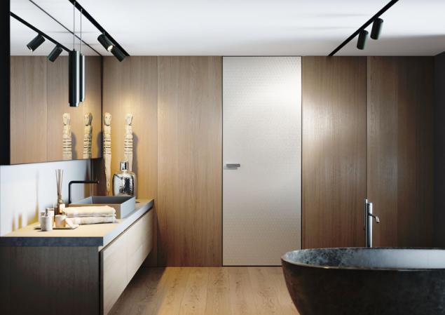 Dveře Master Door s kovolaminátem vám zaručí neotřelý vzhled, ke kterému jistě přispějí i skryté dveřní zárubně Aktive (JAP FUTURE)