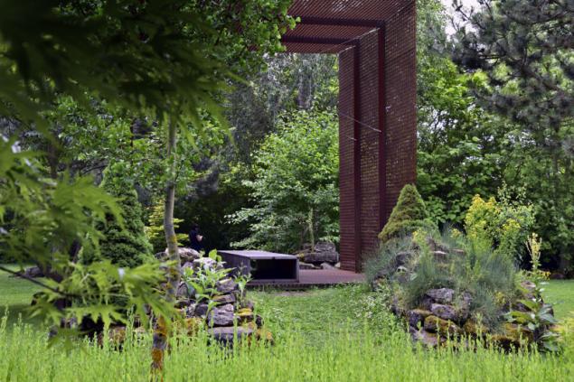 Zahradu byste nikdy neměli přehlédnout celou z jediného bodu, kompozici proto čleňte do tematických celků