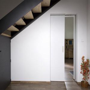 Posuvné bílé lakované dveře Clara QUATRO MASONITE do pouzdra