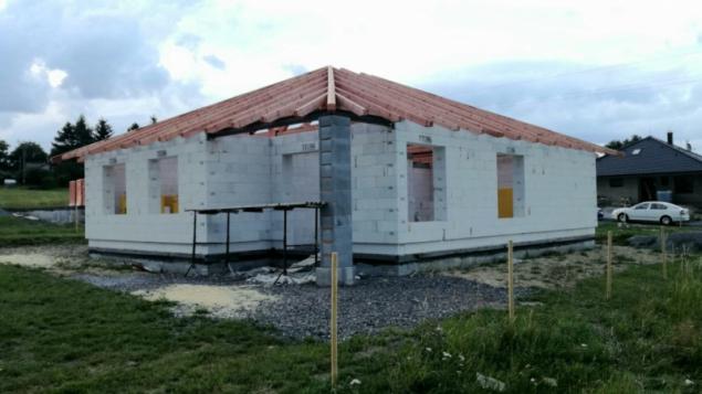 I díky Ytongu šla stavba domu rychle a bezproblémově (zdroj: Xella)