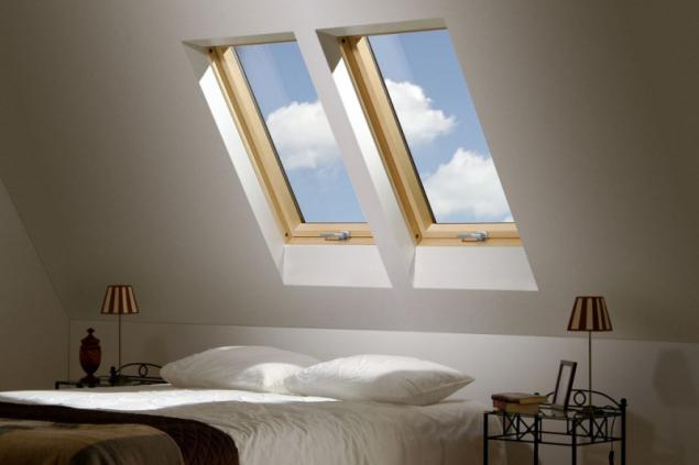 Střešní okna přivádějí do interiéru dvakrát víc denního světla než fasádní (zdroj: Hornbach)
