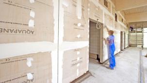 Deska na bázi cementu Knauf AQUAPANEL INDOOR nebo OUTDOOR je 100% jistota v odolnosti vůči vlhkosti