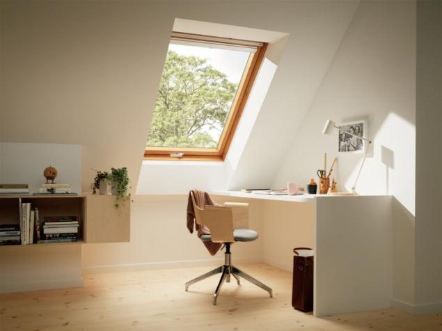 Staré dřevěné okno (zdroj: VELUX)